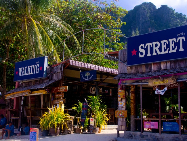 Railay Walking Street