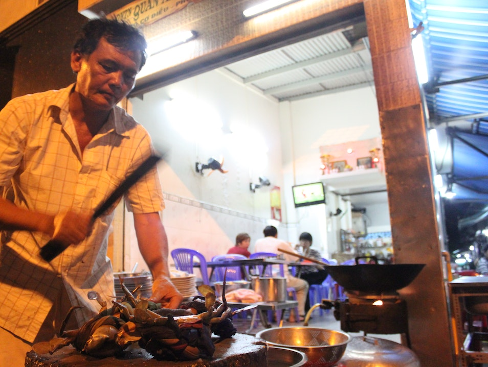 Tamarind Crabs - The ultimate street food experience  Ho Chi Minh City  Vietnam