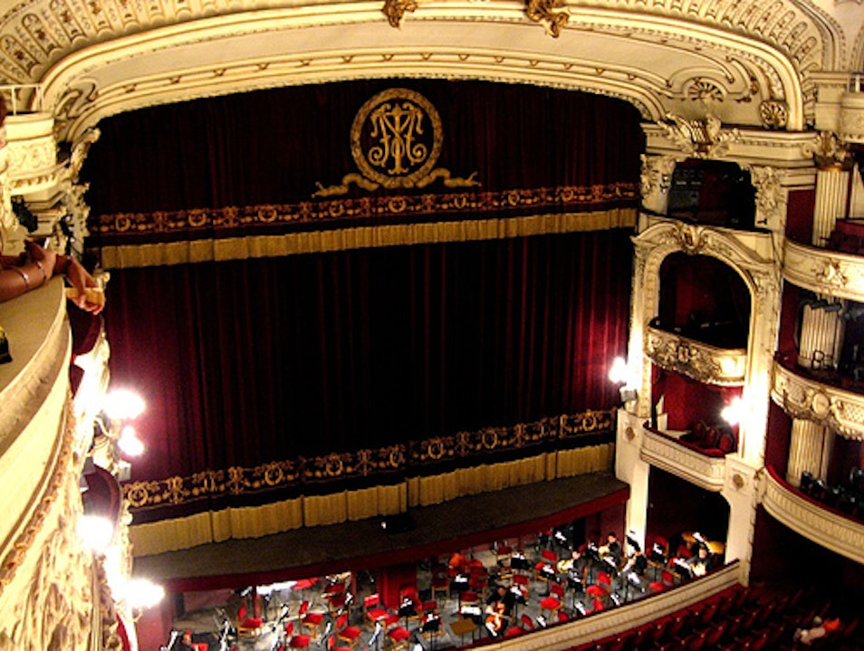 Breathe in Culture at Santiago's Opera House