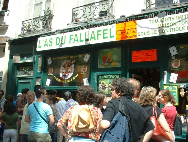 Lenny Kravitz and the Parisian Falafel Shop
