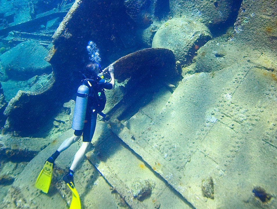 Dive at the Wreck of the RMS Rhone