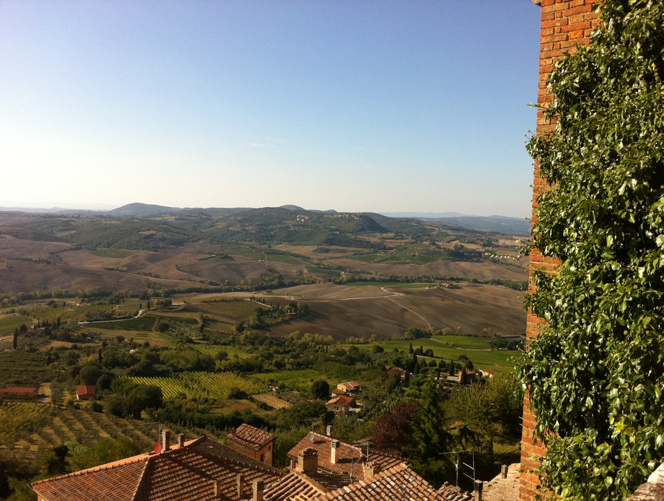 Summer view over Val D'Orcia - Room with a view Montepulciano  Italy