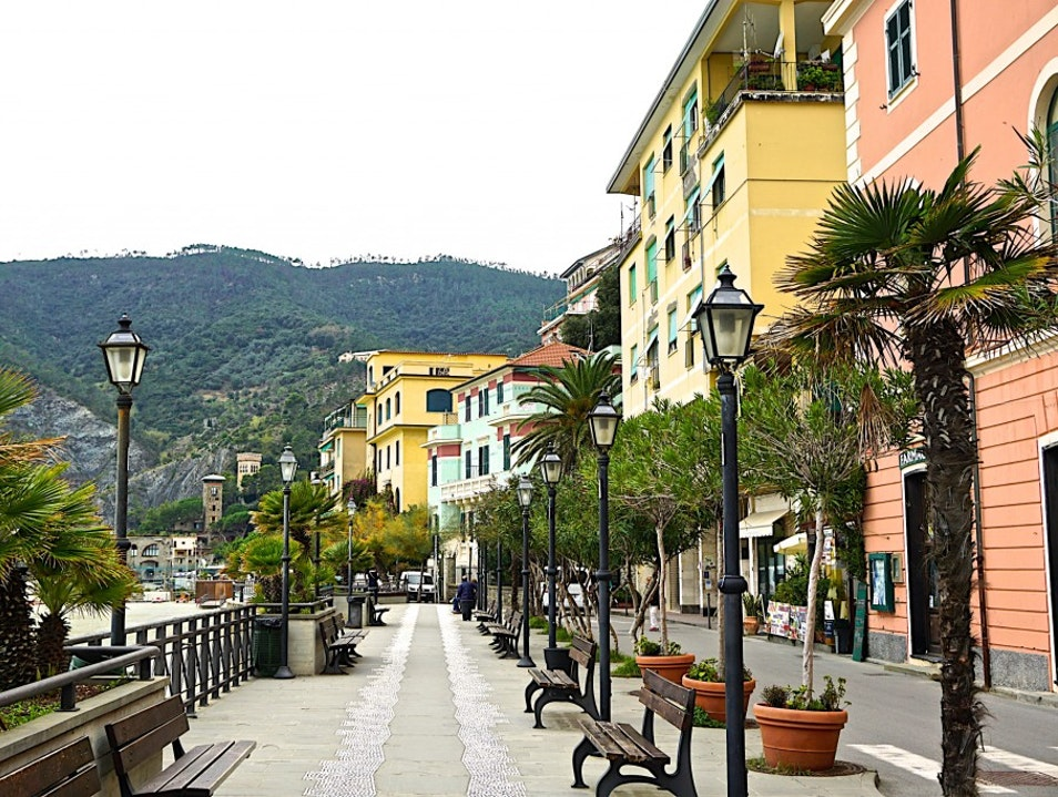 Cinque terre - how to get there, what to eat and drink Levanto  Italy