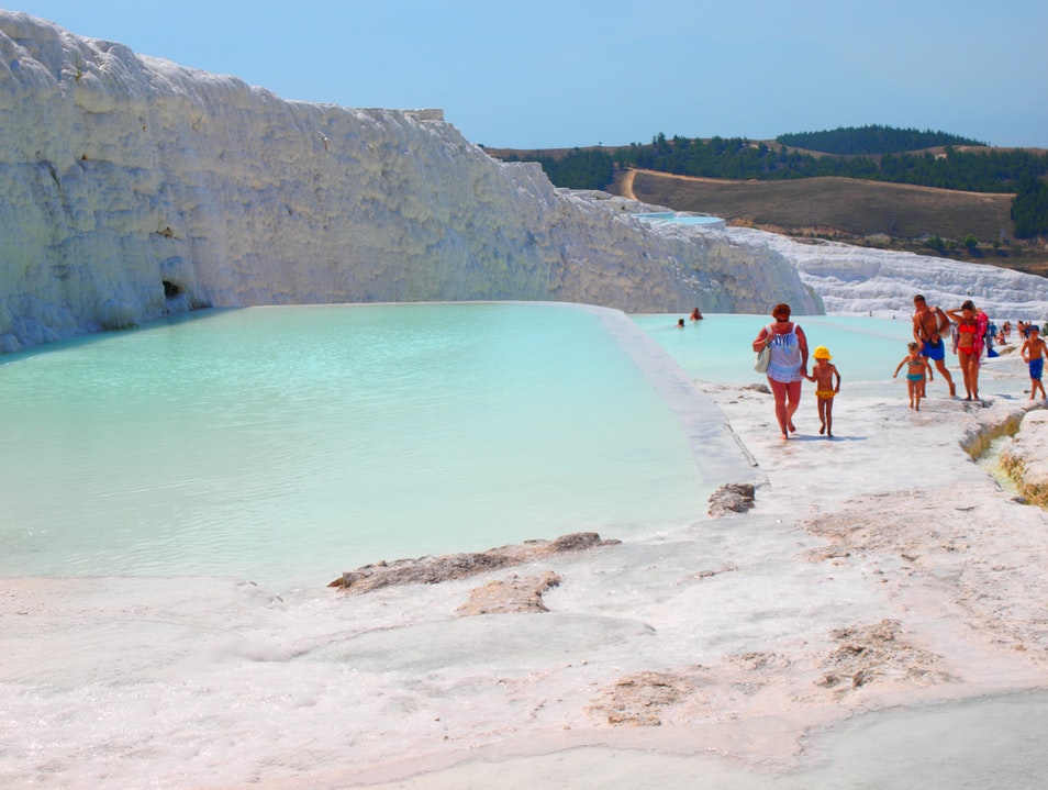 From Istanbul to the Cotton Castles of Pamukkale in a Day
