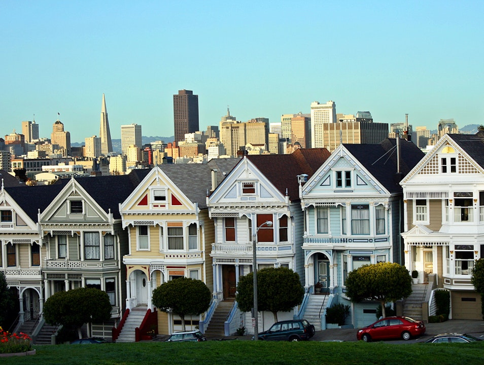 Explore San Francisco with City Guides Walking Tours