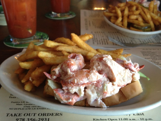 amazing lobster roll