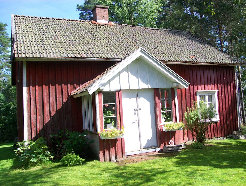 Rent a Rural Red Cabin Bengtsfors  Sweden