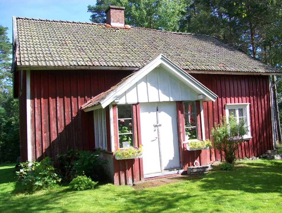 Rent a Rural Red Cabin