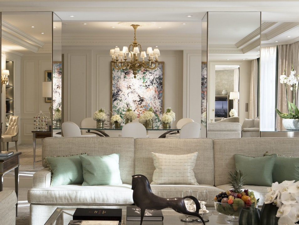 Contemporary Meets Classic in the Royal Suites