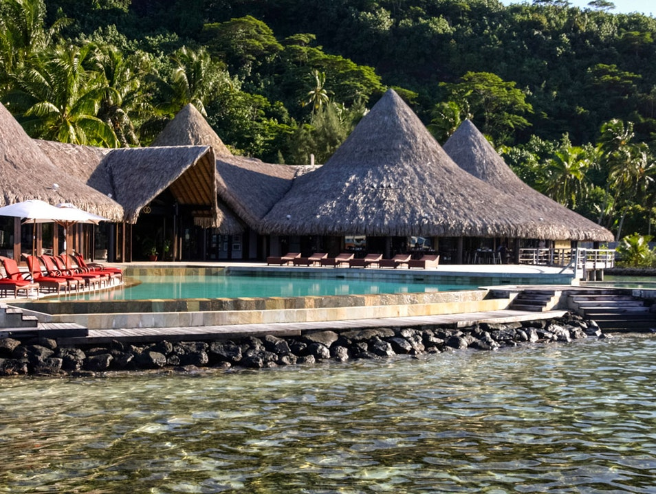 Girl's Week Away: Overwater Bungalows in Bora Bora   French Polynesia