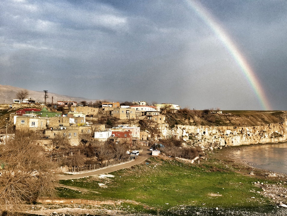 Trekking thru Ruins in the Rain Hasankeyf  Turkey