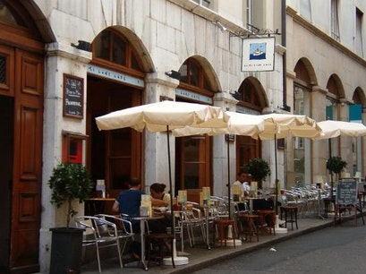Restaurant Demi Lune Geneva  Switzerland