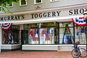 Murray's Toggery Shop