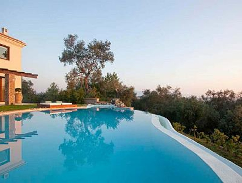 Villa edoardo corfu greece afar - Infinity pool europe ...