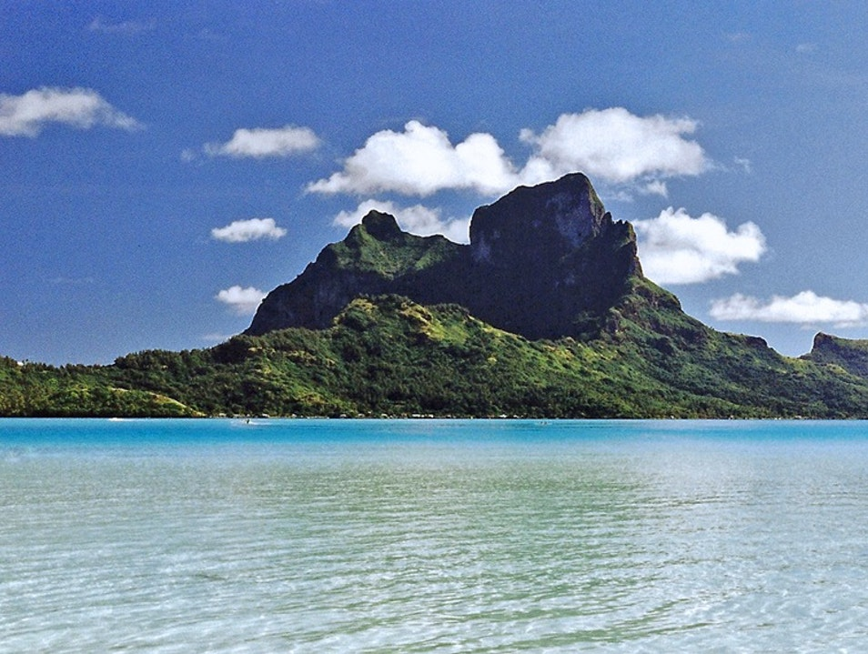 Slip a deux into the bluest water in the world   French Polynesia
