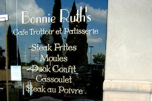 Bonnie Ruths Cafe Trottoir et Patisserie