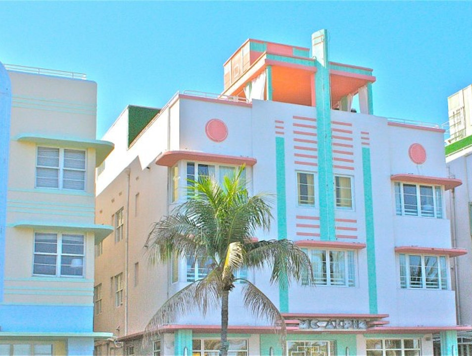 Art Deco Tour in Miami Beach