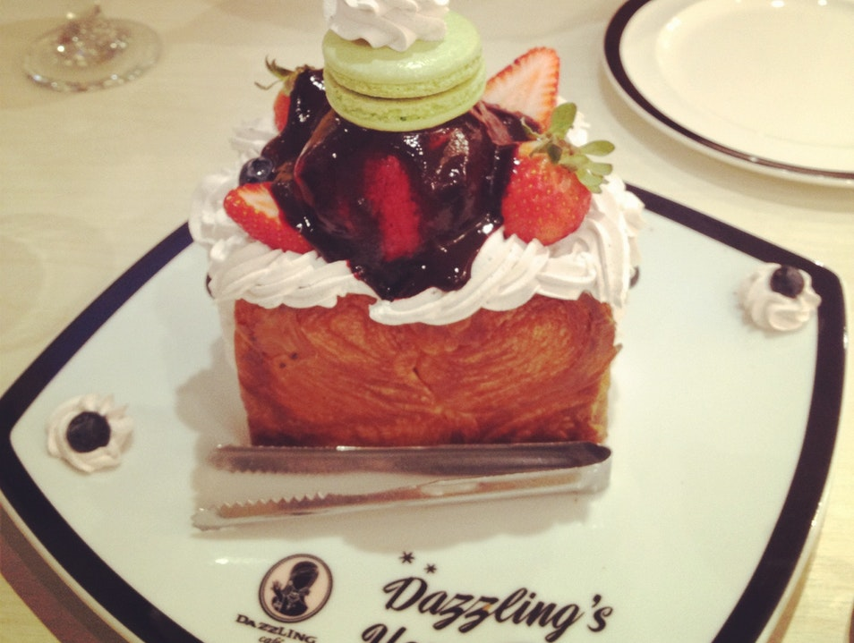 Honey Toast at Dazzling Cafe