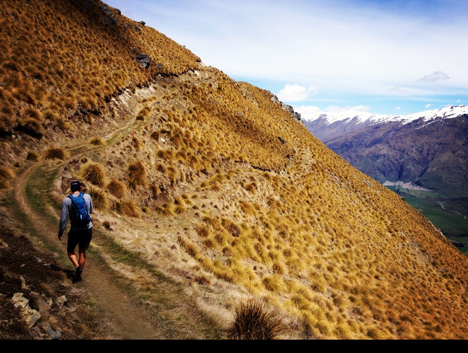 Hiking Roy's Peak in Wanaka Glendhu Bay  New Zealand