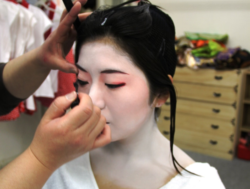 Becoming a Maiko
