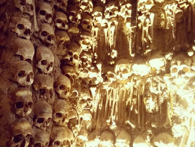 Discover Bones at the Capela dos Ossos