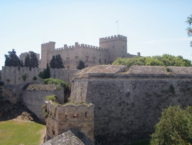 Wonderfully preserved fortress in town