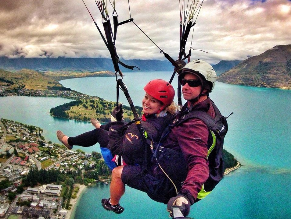 Paragliding in Queenstown Ben Lomond  New Zealand