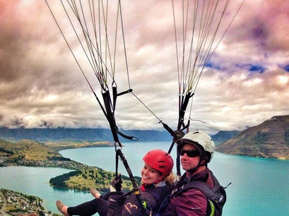 Tandem Paraglide Ben Lomond  New Zealand
