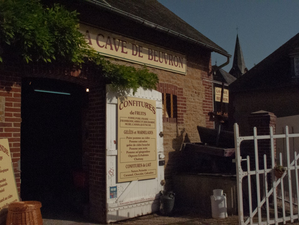 Friendly shop on the cidre trail Beuvron-en-Auge  France