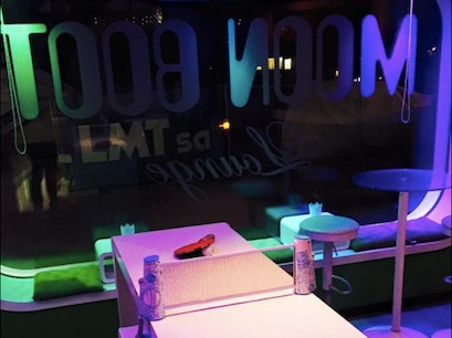 Moon Boot Lounge Villars Sur Ollon  Switzerland