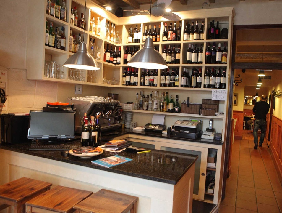 Great food, lively atmosphere in the Oltrarno