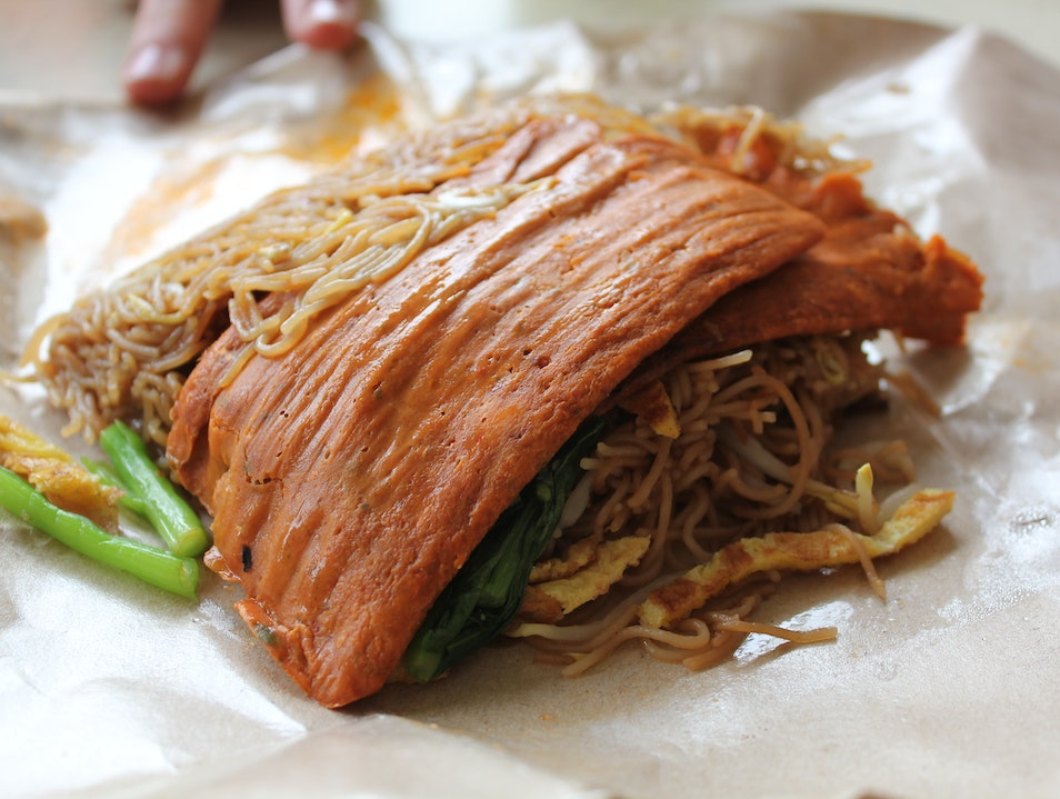 Tiong Bahru: Hawker Market in Singapore