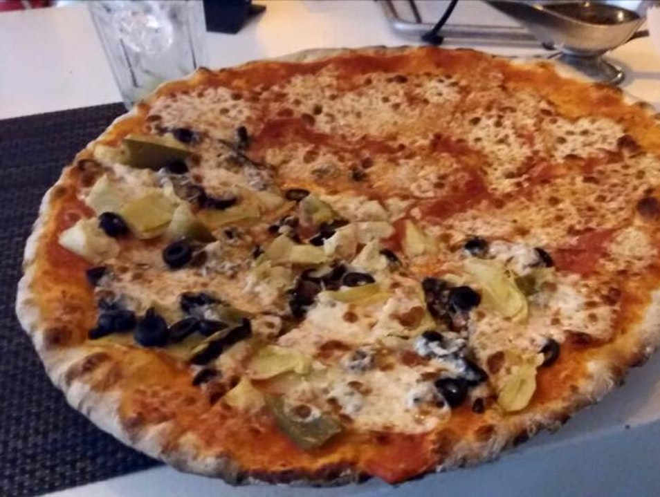 Auhentic Italian with Delicious Pizza
