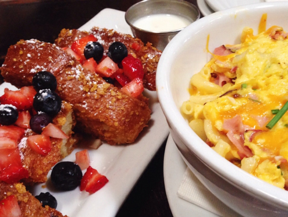 Mac n cheese & dessert for brunch? Los Angeles California United States