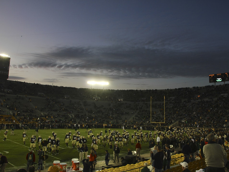 Cheer, Cheer for old Notre Dame...