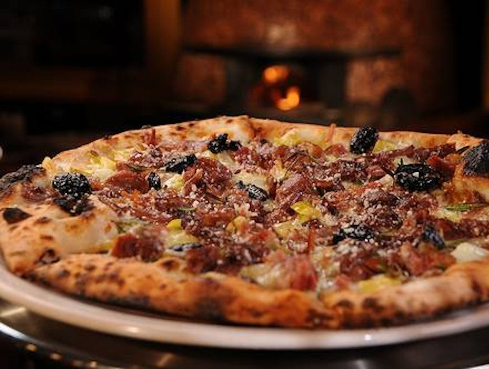 Neapolitan-Style Delights at Dough