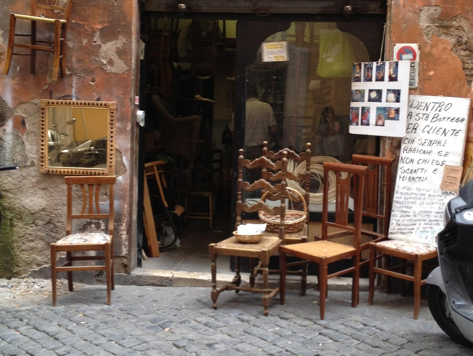 The customer is always right if you do not ask for a discount or expect a miracle. Rome  Italy