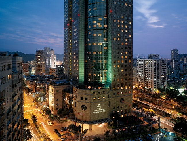 Shangri-la Far Eastern Plaza Hotel