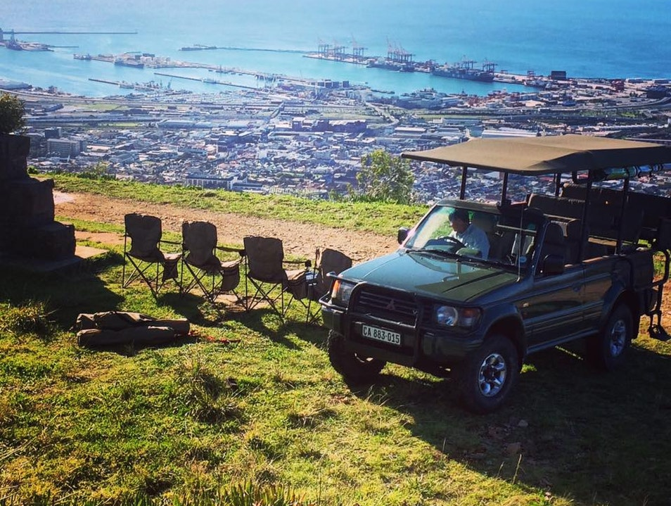 4x4 on Table Mountain with Food & Wine Pairing
