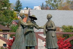 Three Women's Statue