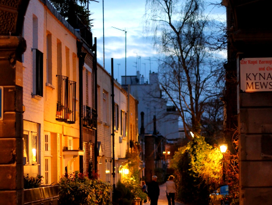 Touring the Mews of Kensington London  United Kingdom