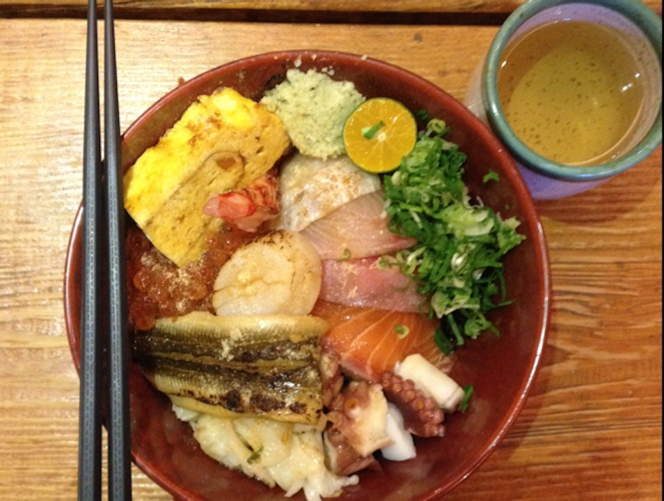 delicious, affordable chirashi in the heart of taipei.