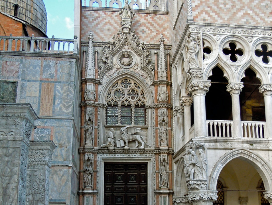 The Paper Gate of the Palazzo Ducale  Venice  Italy