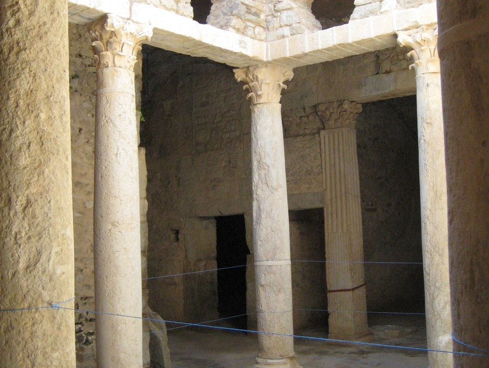 Are you ready to live in an underground Roman villa ?