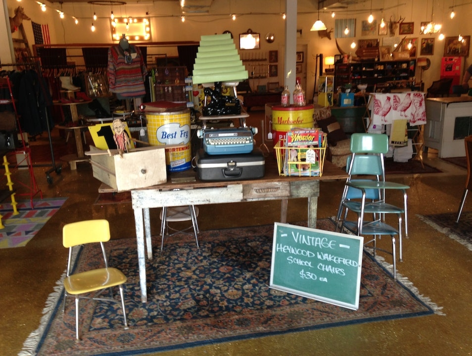 Nationally Recognized Vintage Shop Nashville Tennessee United States