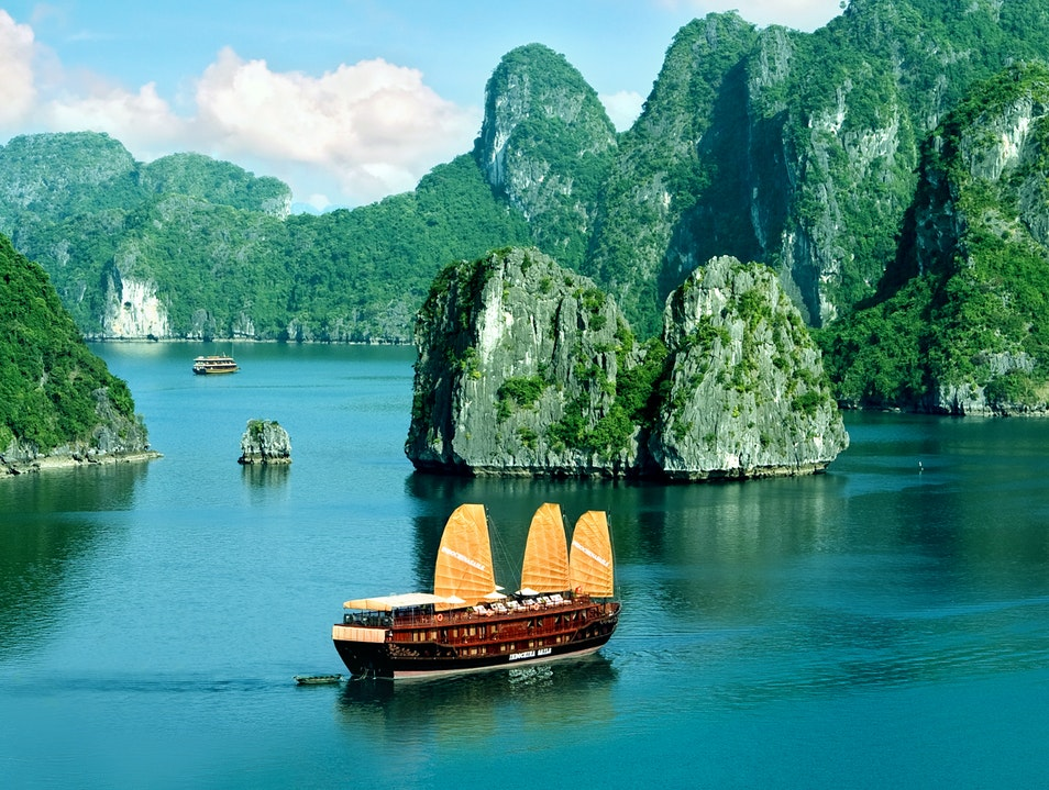 Top Things to See and Explore In Vietnam