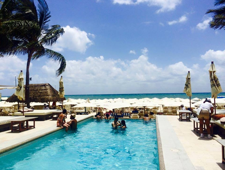 Modern, Lively Beach Club in the Heart of Playa