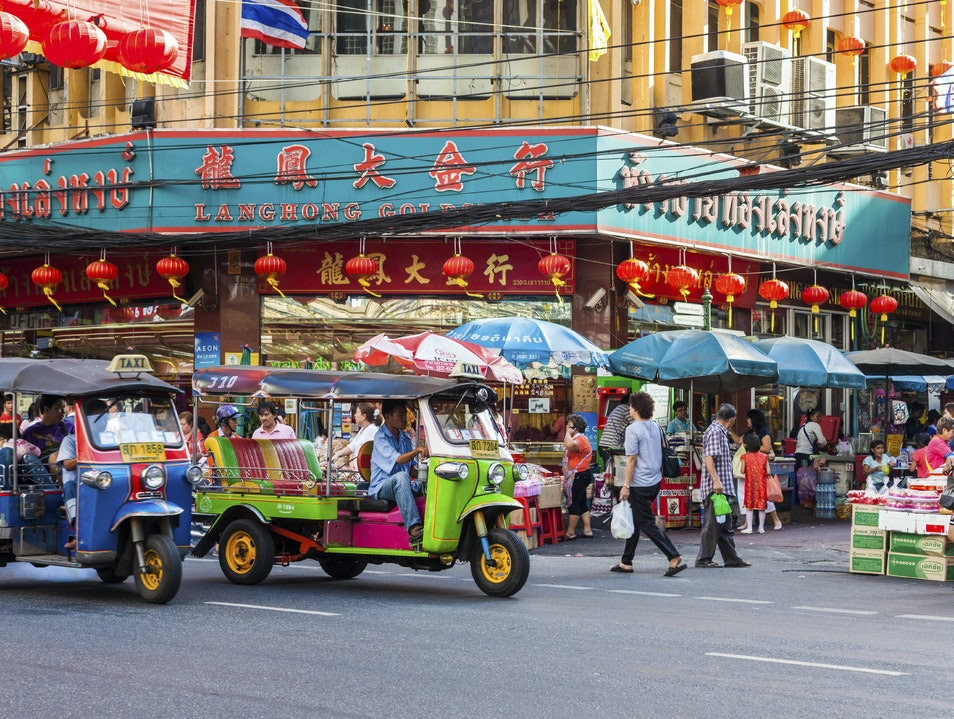 Immerse Yourself in Old-School Bustle in Bangkok's Chinatown