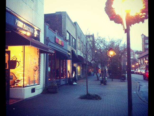 Church Street Wreaths Up for the Holidays