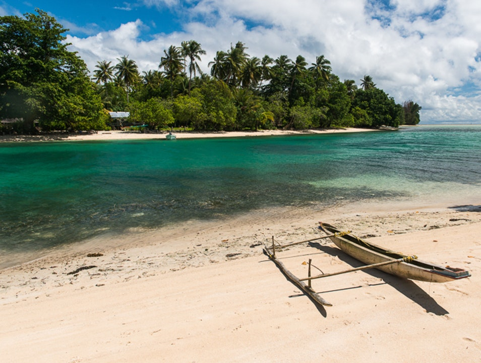 Visit PNG's Out Islands